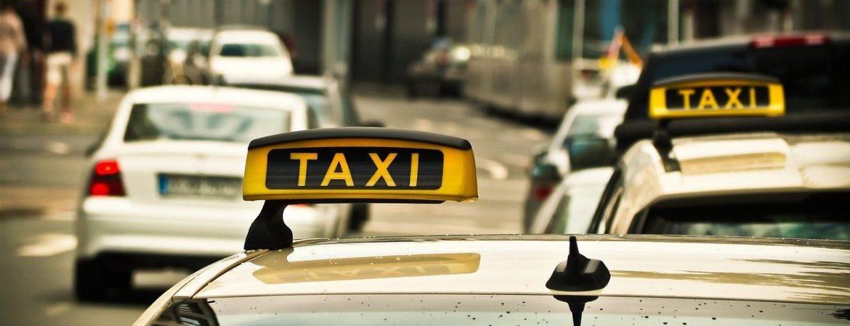 Usługi taxi w Warszawie – przewozy dzieci, taxi bagażowe oraz 7-osobowe taksówki, czyli kilka słów o dodatkowych usługach Eko Taxi