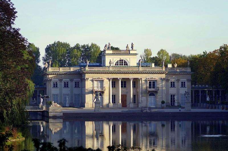 Łazienki w Warszawie - słynna atrakcja turystyczna