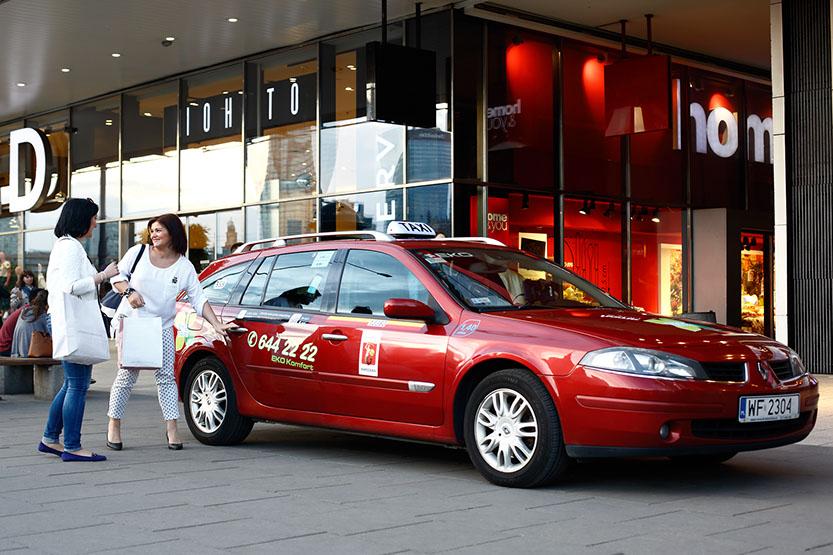 tanie taxi w Warszawie zawiezie Cie prosto do celu