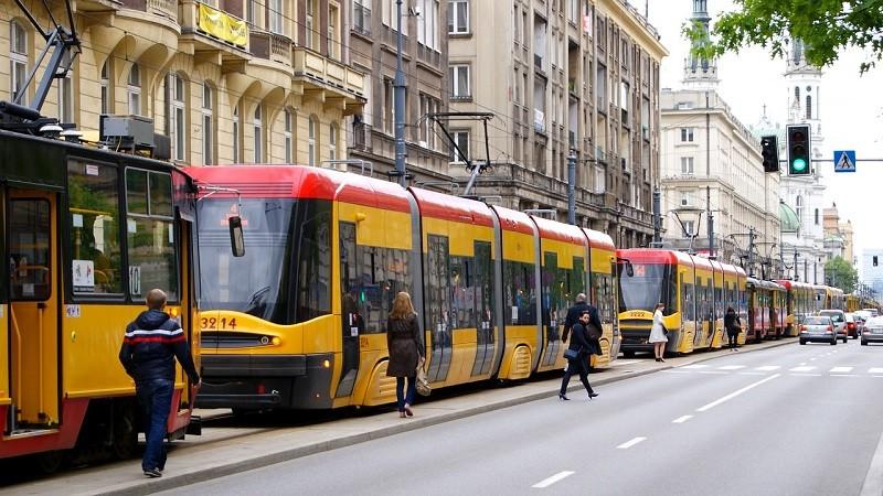 Taxi bus to alternatywa dla podróży autobusem w Warszawie