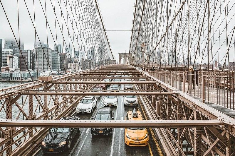 Taksówka na moście